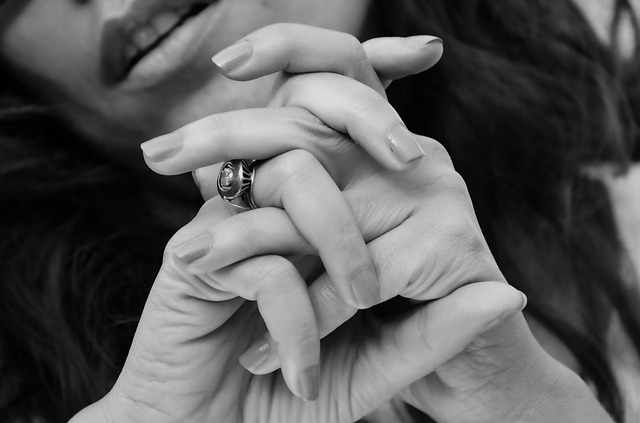 come sbiancare le unghie